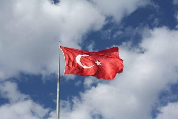 Los riesgos de hacerse un Injerto de Pelo en Turquía